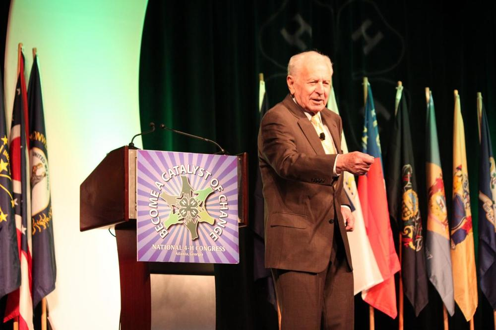 Dr. Schoenfeld at 4H.JPG